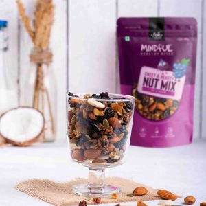 Eats Mindful Sweet & Hearty Nut Mix